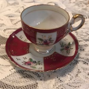 Demitasse maroon & white teacup set